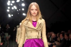 BURBERRY PRORSUM - LONDON S/S 2011 FASHION SHOW