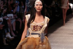VIVIENNE WESTWOOD – PARIS S/S 2011 FASHION SHOW