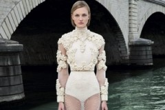 GIVENCHY HAUTE COUTURE - PARIS F/W 2011 FASHION SHOW
