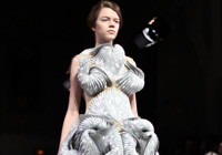 IRIS VAN HERPEN HAUTE COUTURE  - PARIS S/S 2012 FASHION SHOW